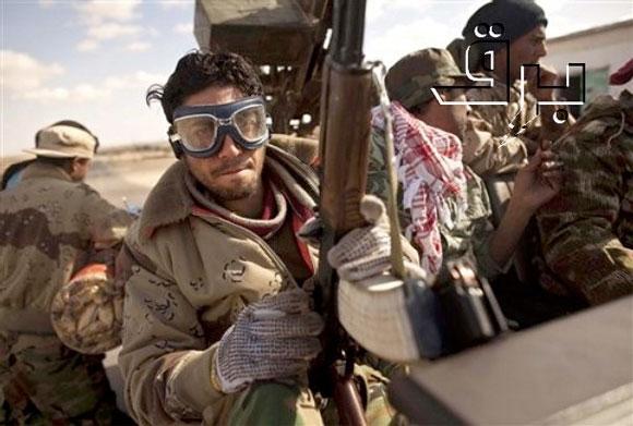 A média el akarja hitetni a világgal, hogy a békés tüntetők néhány nap alatt tankvezető és katonai repülővel támadó lázadókká változtak. Fotó: BRQ Network