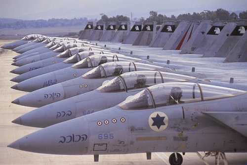 Americans-talk-about-an-Israeli-strike-on-Iran-but-prepare-own-offensive