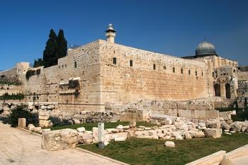 A vezető rabbi szerint a templom még életében felépül