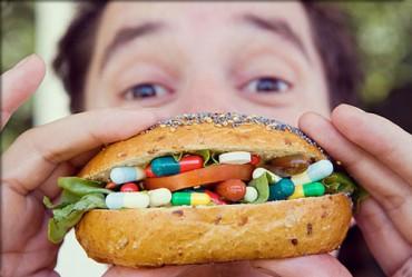 Ray Kurzweil jelenleg 150 féle étrendkiegészítőt szed, amik szerinte csúcsformában tartják a testét.
