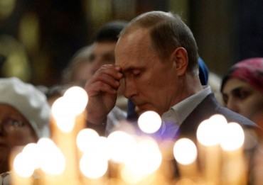 putin-at-church