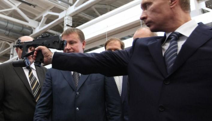 Putyin az USA gyenge pontját célozza: a tőzsdét