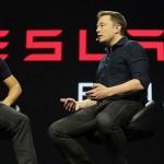 Elon Musk szerint a jövőben betilthatják az emberek által vezetett autókat