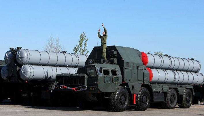 Putyin feloldotta a légvédelmi rakétarendszerek szállítására vonatkozó tilalmat Iránnal szemben