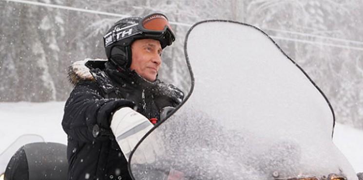 putin_snowmobile