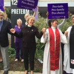 Metodista és episzkopális lelkészek áldották meg a Planned Parenthood abortuszklinikát