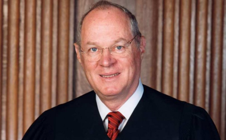 Anthony_Kennedy_official_SCOTUS_portrait_810_500_55_s_c1